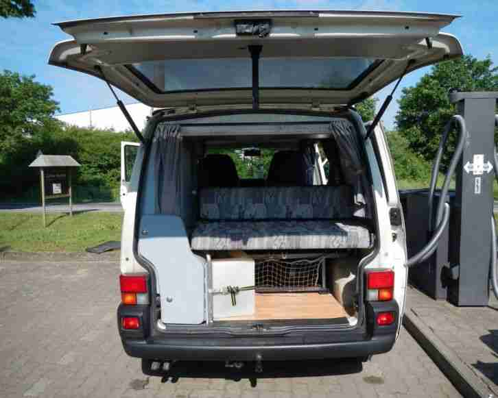 vw volkswagen wohnmobil t4 carthago malibu mit wohnwagen. Black Bedroom Furniture Sets. Home Design Ideas