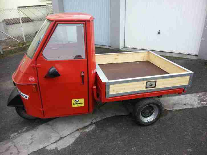 vespa piaggio ape 50 werbetr ger dreirad trike. Black Bedroom Furniture Sets. Home Design Ideas