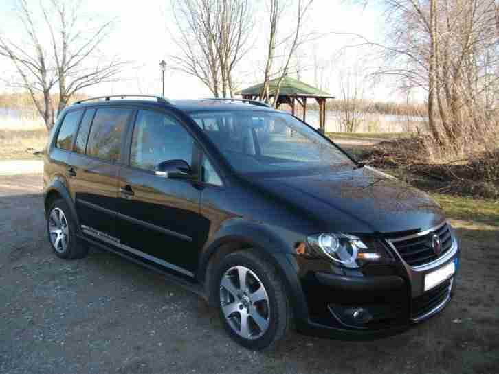 Touran Cross 2.0 TDI DSG NAV