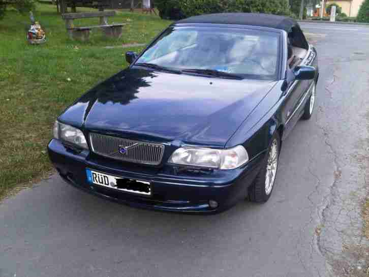 volvo c70 cabrio dunkelblau 120 kw tolle angebote in volvo. Black Bedroom Furniture Sets. Home Design Ideas