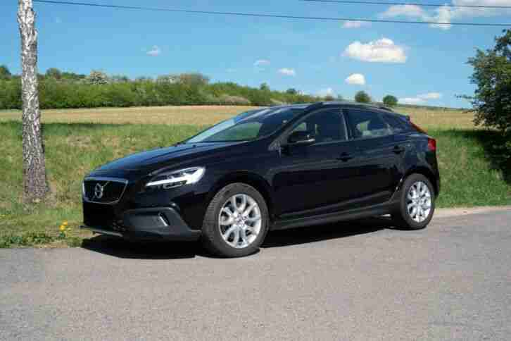 V40 T3 Cross Country Momentum, Navi, LED, 8 fach