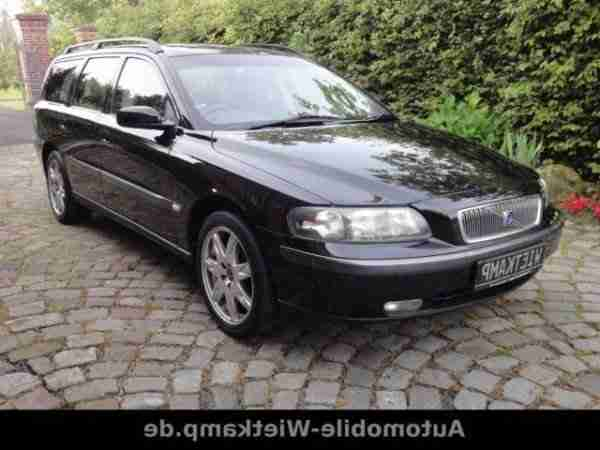 Volvo V70 2.5T Black Edition