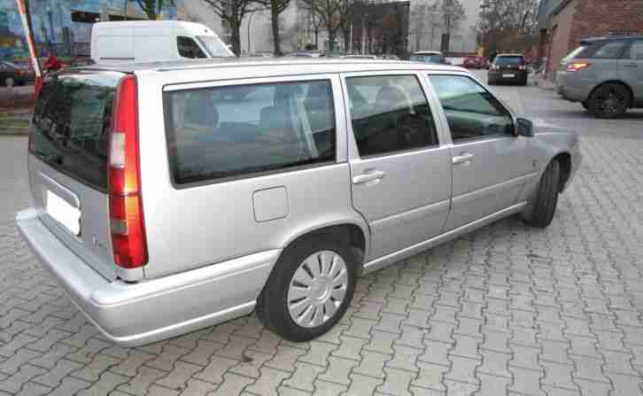 volvo v70 kombi 2 5t diesel 2000 t v bis tolle angebote in volvo. Black Bedroom Furniture Sets. Home Design Ideas