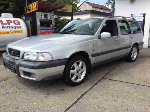 Volvo V70 XC Cross Country AWD Automatik