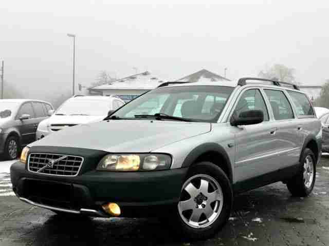 Volvo XC 70 D5 AWD Cross Country Top Zustand!