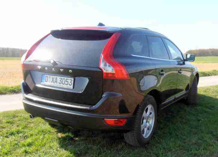 volvo xc60 d3 summum bi xenon navi tolle angebote in. Black Bedroom Furniture Sets. Home Design Ideas
