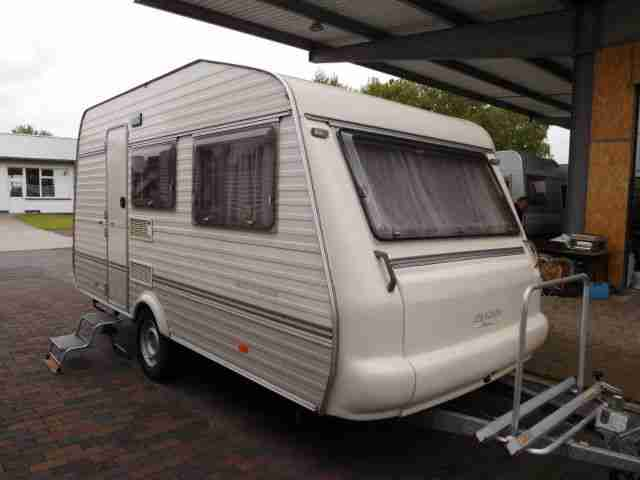 wohnwagen avento premier 420t luxe zwei wohnwagen. Black Bedroom Furniture Sets. Home Design Ideas