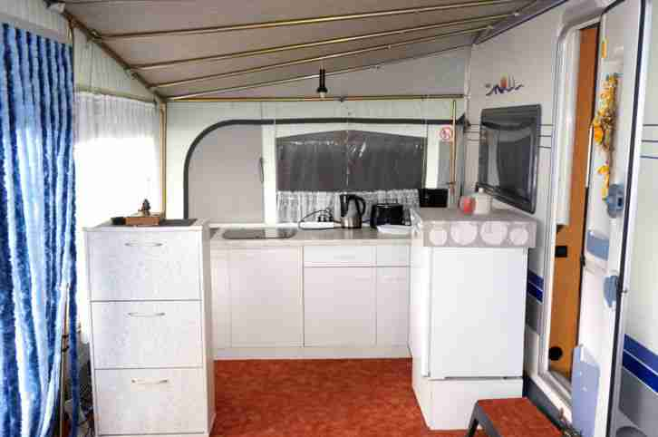 wohnwagen hobby prestige mit top stellplatz wohnwagen. Black Bedroom Furniture Sets. Home Design Ideas