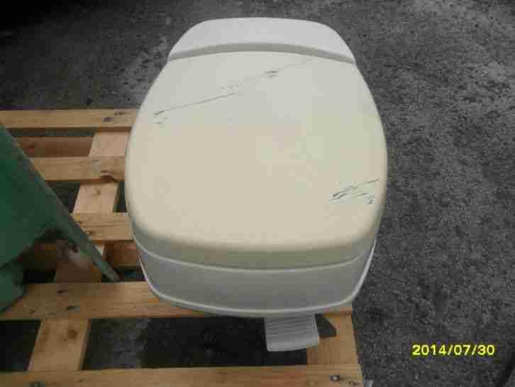 wohnmobil wohnwagen toilette na zelle bad wc wohnwagen wohnmobile. Black Bedroom Furniture Sets. Home Design Ideas
