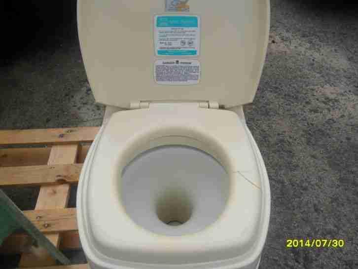 wohnmobil wohnwagen toilette na zelle bad wc wohnwagen. Black Bedroom Furniture Sets. Home Design Ideas