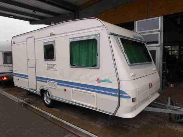 Wohnwagen Mit Zwei Etagenbetten : Camper wohnwagen dethleffs caravans und wohnwägen