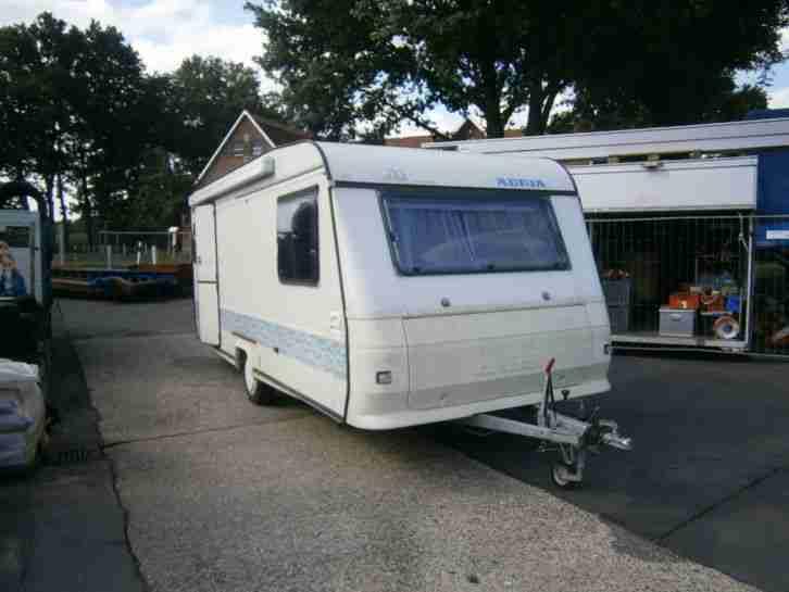 vw t5 transporter mit flexiblem campingausbau wohnwagen. Black Bedroom Furniture Sets. Home Design Ideas