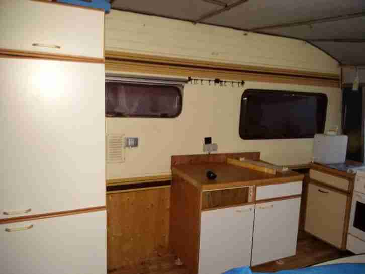 wohnwagen b rstner 580 gebraucht mit wohnwagen wohnmobile. Black Bedroom Furniture Sets. Home Design Ideas