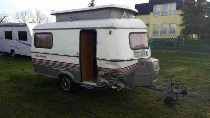 wohnwagen caravan hymer eriba triton mit wohnwagen. Black Bedroom Furniture Sets. Home Design Ideas
