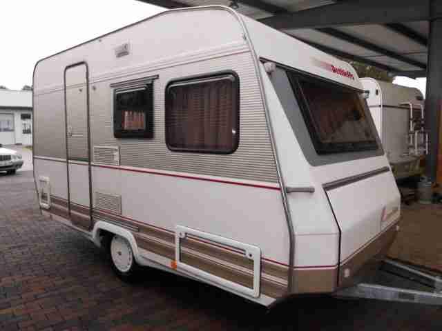 wohnwagen dethleffs camper 420t edition zwei wohnwagen wohnmobile. Black Bedroom Furniture Sets. Home Design Ideas