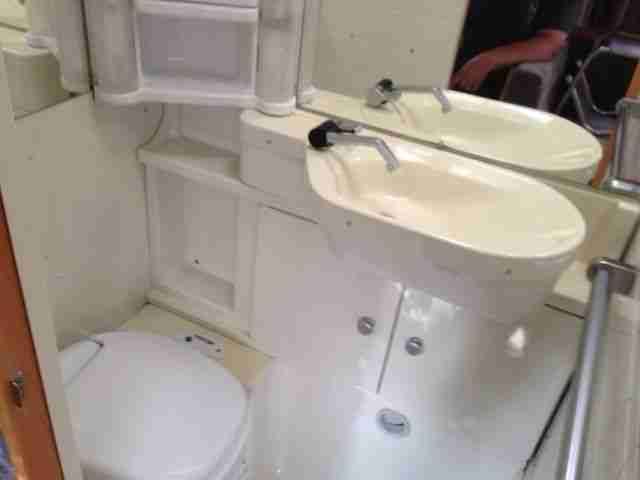 wohnwagen dethleffs 460tk etagenbett wohnwagen wohnmobile. Black Bedroom Furniture Sets. Home Design Ideas