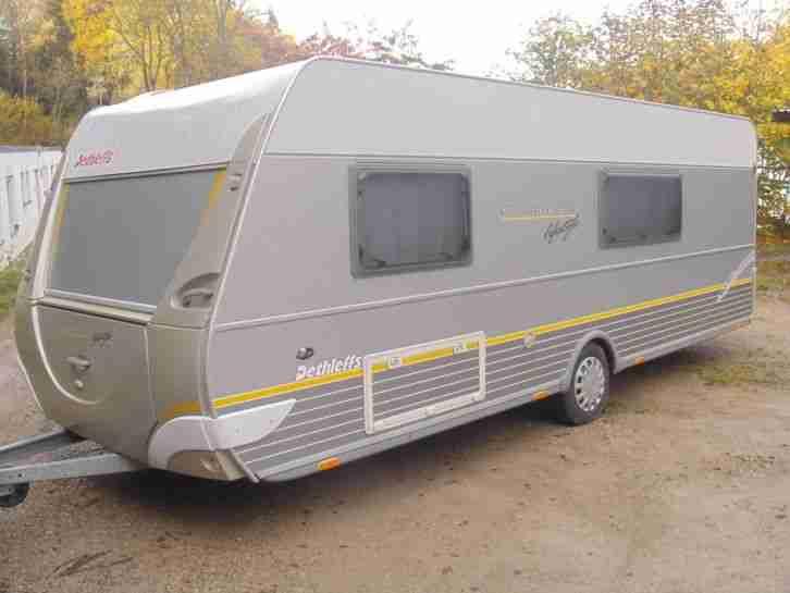 wohnwagen dethleffs 560 sk mit neuwertigem wohnwagen wohnmobile. Black Bedroom Furniture Sets. Home Design Ideas
