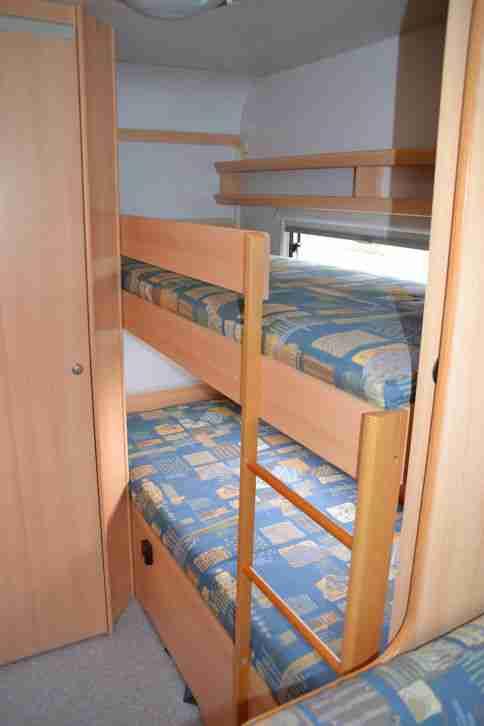 wohnwagen eiffelland 560 tk f r 6 pers wohnwagen. Black Bedroom Furniture Sets. Home Design Ideas