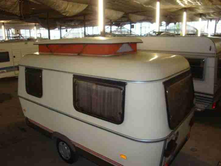 wohnwagen eriba touring triton top gepflegt wohnwagen. Black Bedroom Furniture Sets. Home Design Ideas