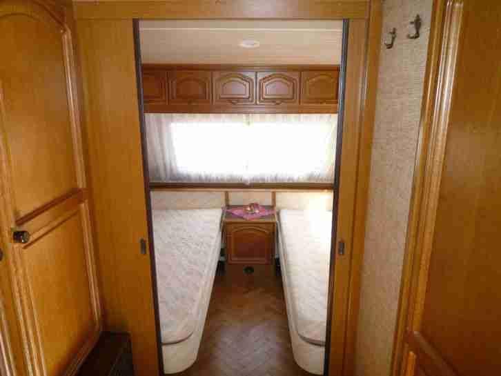 wohnwagen hobby prestige 610 aus 1 hand sehr wohnwagen. Black Bedroom Furniture Sets. Home Design Ideas