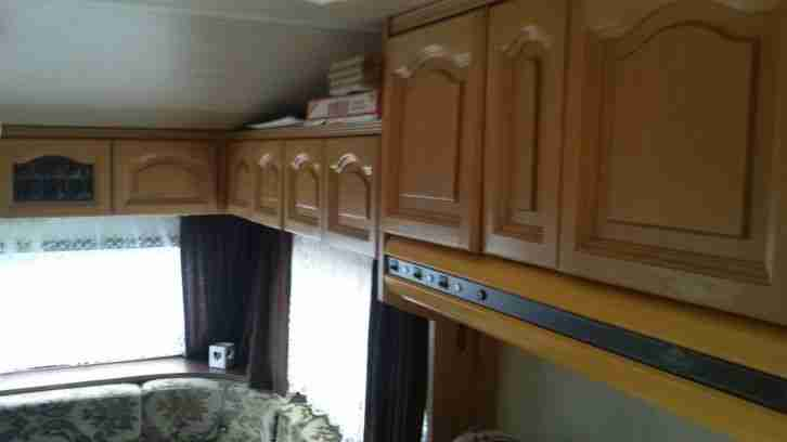 wohnwagen hobby 480 bj 1982 6 00m lang 4 5 wohnwagen wohnmobile. Black Bedroom Furniture Sets. Home Design Ideas