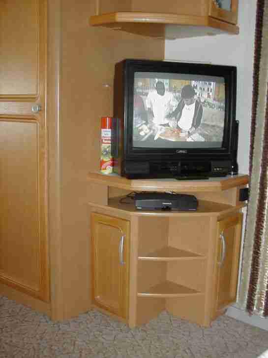 wohnwagen hobby prestige 560 uf mit vorzelt und. Black Bedroom Furniture Sets. Home Design Ideas