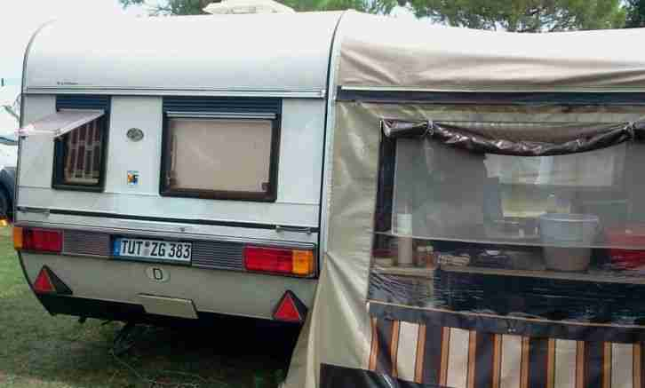 wohnwagen hobby mit vorzelt reisefertig wohnwagen. Black Bedroom Furniture Sets. Home Design Ideas