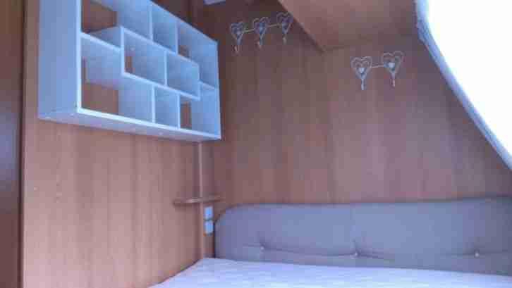 Wohnwagen Mit Etagenbett Und Markise : Wohnwagen stockbett caravelair dachbox markise