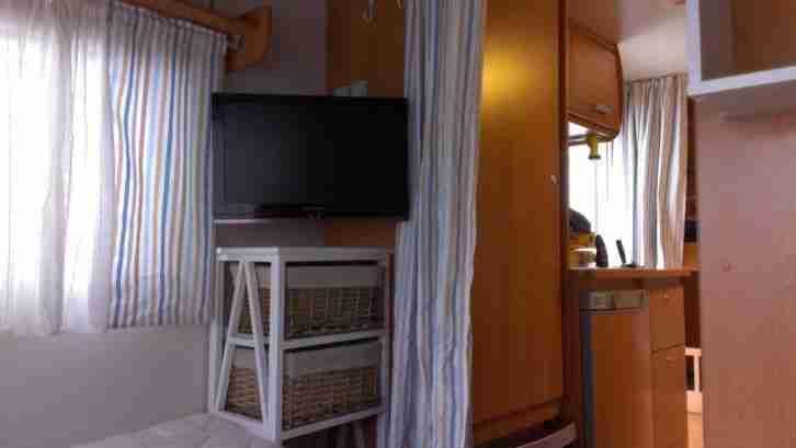 Etagenbett Wohnwagen Einbauen : Wohnwagen stockbett caravelair dachbox markise
