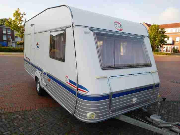 wohnwagen mit etagenbett 1300 kg eifelland holiday tk. Black Bedroom Furniture Sets. Home Design Ideas