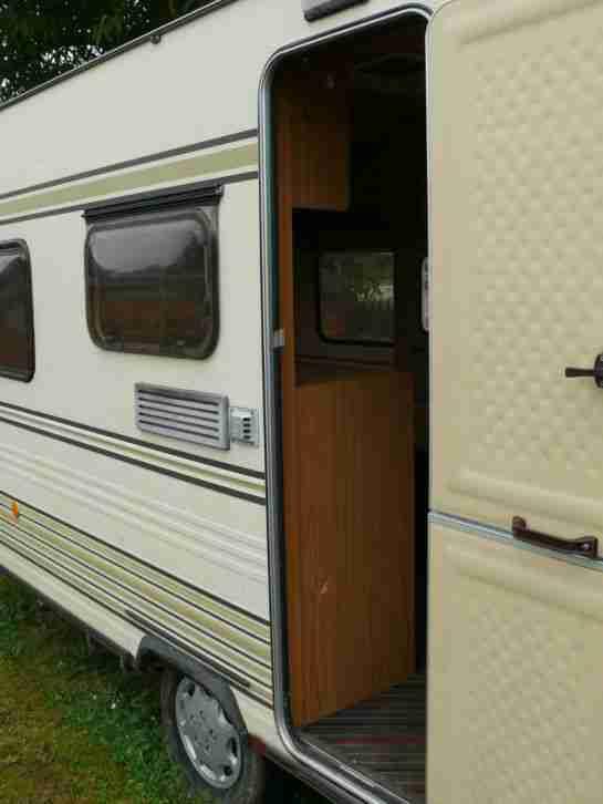 wohnwagen tec king 440 mit vorzelt wohnwagen wohnmobile. Black Bedroom Furniture Sets. Home Design Ideas
