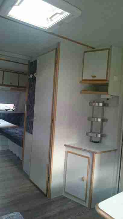 wohnwagen tec weltbummler wohnwagen wohnmobile. Black Bedroom Furniture Sets. Home Design Ideas