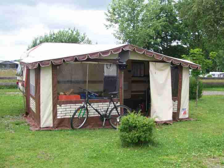 wohnwagen mit vorzelt reisefertig wilk wohnwagen. Black Bedroom Furniture Sets. Home Design Ideas