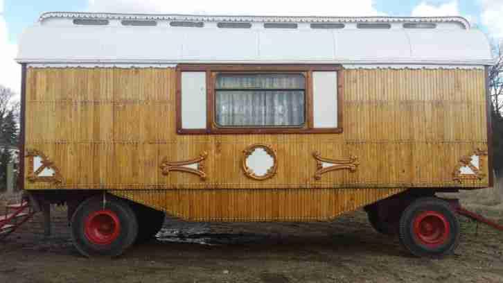 wohnwagen gebrauchtwagen alle wohnwagen zirkuswagen g nstig kaufen. Black Bedroom Furniture Sets. Home Design Ideas